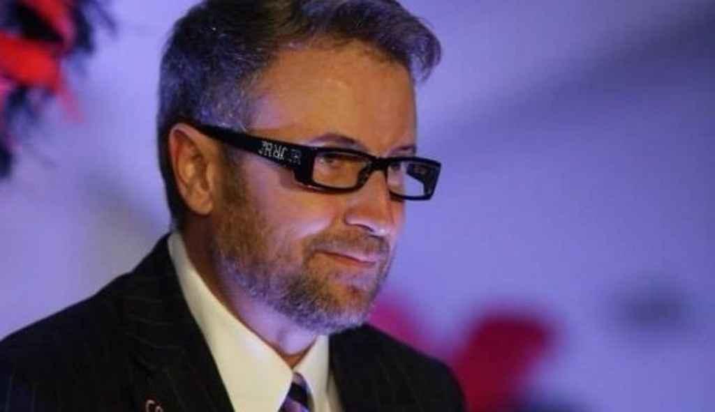Cunoscutul creator de modă, Cătălin Botezatu, a vorbit despre cadourile pe care le-a făcut apropiaţilor cu ocazia Crăciunului