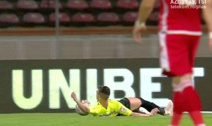 Faza pentru care Dinamo a cerut penalty. Sursă Foto: Captură Telekomsport