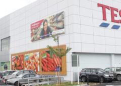 """Foto Lanțul De Supermarketuri Tesco, Avertisment în Limba Română Pentru """"hoți Din Magazine"""""""