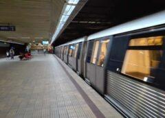 Poveste La Metrou Un Tren Nu A Mai Plecat Din Stație, Călătorii L Au Găsit Pe Mecanic Beat în Cabină